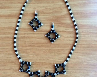 Monochrome necklace and earings set