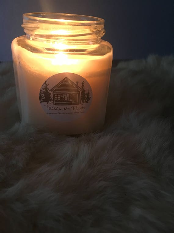 I Smell Snow - 100% Soy wax and essential oil candle -9oz glass jar