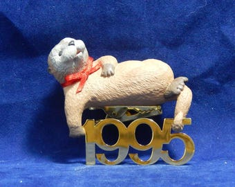 1995 Otter Keepsake Ornament - 6th in Hallmark Ornaments - Fabulous Decade Series