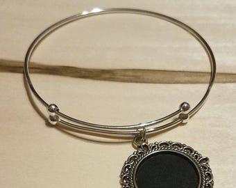 Silver-plated Bangle Bracelet with Ornate Chalkboard Charm