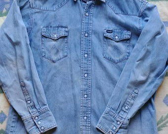 Vintage Cowboy Grunge Wrangler Shirt with Skoal Rings on pockets as a bonus