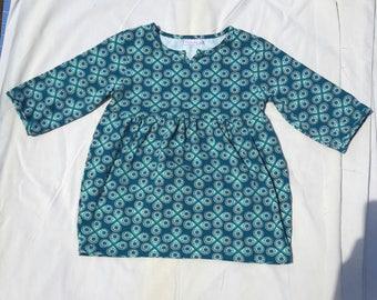 Child's tunic, T-4 years