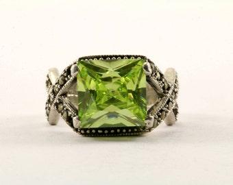 Vintage Princess Cut Bright Green Stone Ring 925 Sterling RG 2453
