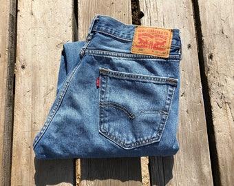 "Levi's 505 32"" Medium Wash Boyfriend Red Tab Vintage Jeans"