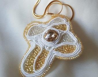 YUSTINE-LES CROIX-cross-Swarovski and rocailles pendant-elegant and suitable also for bridal-golden chain cm 46-