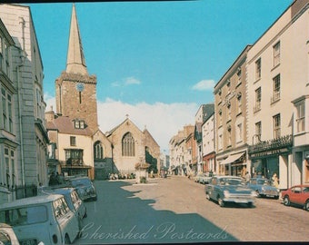 High St, Tenby ~  Vintage Postcard. ~ Not Posted ~ 1984/5.