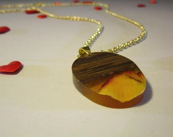 Long necklace, Daniela's walnut wood pendant, resin with rose petal, Jewel made of wood and resin, crystal, handmade, pendant