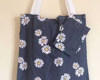 Daisy Tote/Shopping Bag with pouch *CLEARANCE*