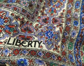 LIBERTY OF LONDON 100% Silk Paisley Scarf