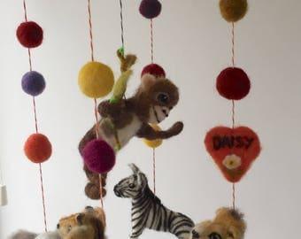 Crib Mobile/Safari Mobile/Safari Animals/Lion/Zebra/Elephant/Monkey/Giraffe/Needle Felted Nursery Cot Mobile/Baby Shower Gift/Newborn Gift