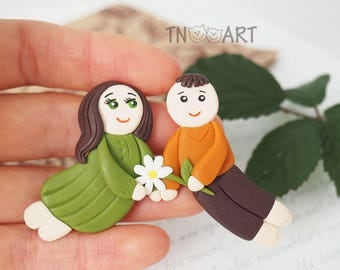 SALE Pair in Love Magnet / handmade polymer clay magnet / refrigerator magnet / boy girl happy together chamomile flower / I love you magnet