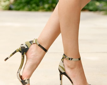Mark and Maddux Cliff-01 Ankle Strap Women's High Heel Sandals in Camouflage