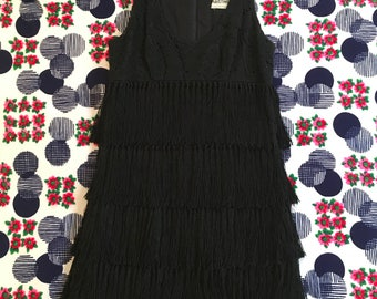 Vintage Fringe Little Black Sleeveless Crochet Lace Scoop Neck Shift Dress 60s does 20s Mod Flapper GoGo Twiggy Pinup