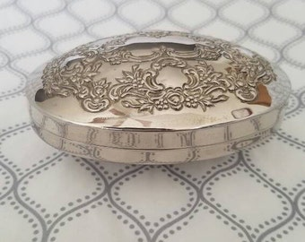 Vintage luxury Silver Plated Box, jewelry box. Metal case.