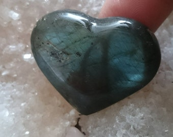 Labradorite blue and green 21.58 Gr-heart