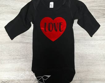 Baby Girl Valentine Outfit, Valentine Bodysuit, Love Bodysuit, Red Foil, Love is in the Air Shirt, Baby's Valentine Outfit, Mommy & Me,