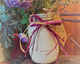 Cupcake Scented Soy Candle in Mason Jar- Handmade- Natural Ingredients-Perfect Gift Idea- Home Decor