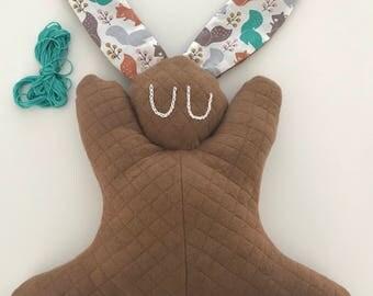 Doudou lapin bouillotte - noyaux de cerises - cadeau de naissance - baby shower - hottie nouveau ne  - bebe garcon marron