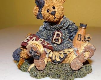Boyds Bears, Bearstone Collection, Style #2268  Bailey...The Cheerleader
