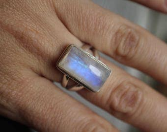 Stunning Blue Moonstone 925 Sterling Silver Ring- Size 7-  Rectangle Moonstone- June Birthstone- 17mm x 9mm