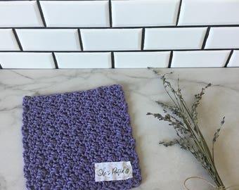 Minimal crochet dish cloth for the farmhouse kitchen