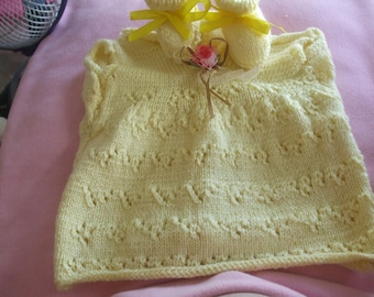 Dress and pair of booties 3 to 6 months baby yellow with Ribbon