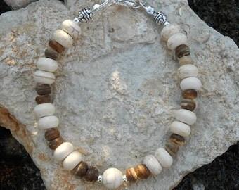 Bracelet howlite beads, coconut wood beads