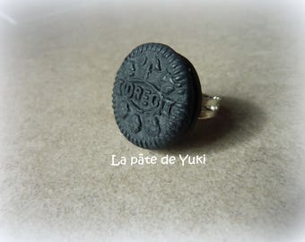 Ring adjustable round black biscuit handmade polymer clay