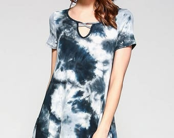 Vaneul Studio's Tie Dye Short Sleeve Loose Fit Thigh Length Dress