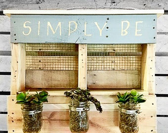 Pallet shelf with jars