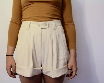 Roo Crossing High-waisted Shorts