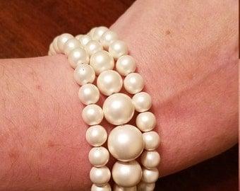 Vintage White Faux Pearl and White Rhinestone Bracelet