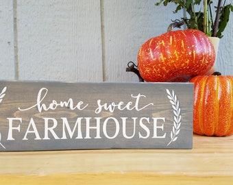 Home Sweet Farmhouse, Farmhouse Decor, Shelf Sitter Sign, Painted Home Decor, Space Saver Sign, Countertop Decor, Apartment Decor, Dorm Sign