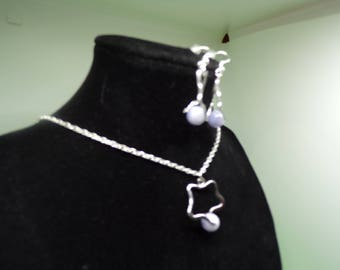 Set with necklace and earrings and pearls of acute(sharp) marine