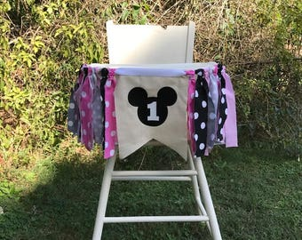 Minnie Mouse Highchair Banner. Minnie Mouse Birthday. Pink and Black Birthday