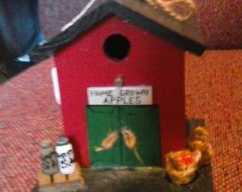 Decorative Apple House Birdhouse