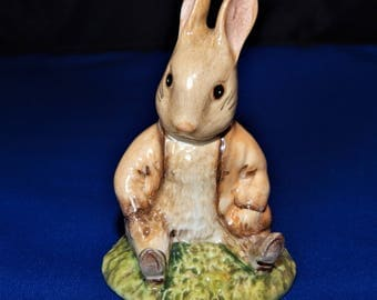 Beatrix Potter Figurine - Benjamin Bunny Sat on a Bank