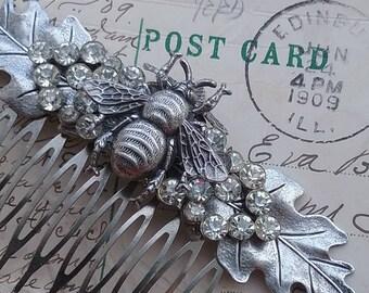Bee, bee comb, bee jewelry, bumble bee, insect jewelry, hair comb, bee bridal, wedding comb, hair comb, woodsy wedding.