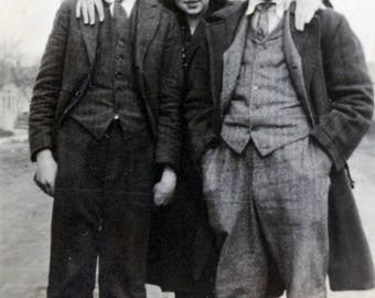 vintage photo 1920 Three Friends Two Men One woman Chums