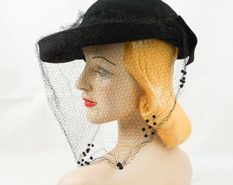 Vintage 1940s Tilt Hat Black Felt Upturned Brim with Netting Sz 21