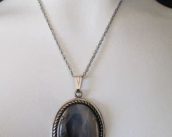 Western silver and Moss Agate pendant on silver metal chain