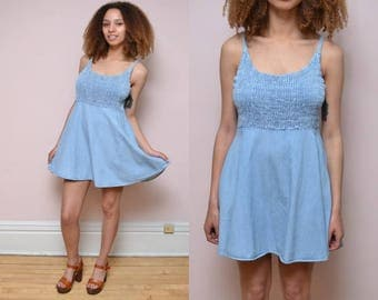 Vintage 90s Chambray Shirred Mini Dress // Grunge Babydoll Dress - Size M