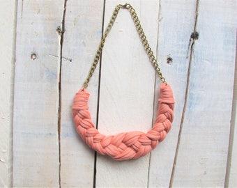 Pastel pink necklace, quartz pink necklace, knitted necklace, cotton necklace, crochet necklace, knotted necklace, tshirt yarn necklace.