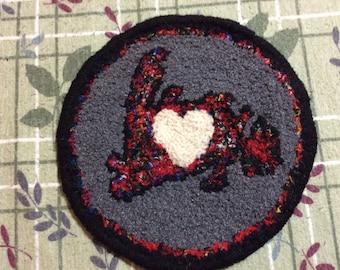 I Left  My Heart in Newfoundland Teapot Mug Rug Coaster Handhooked Wool Fabric Mat  Multi Coloured Themed