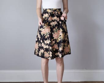 70s floral bouquet print aline rayon fitted waist skirt (xs - s)