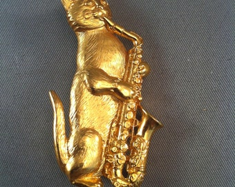 Vintage Brass Cat Playing Saxophone, Sax Playing Cats, Vintage JJ Jonette Jewelry,Cat Jewelry,  Musicians Jewelry, Cat Lovers Brooch Pins