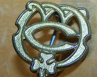 Canadian Girl Guides scouting pin - solid brass