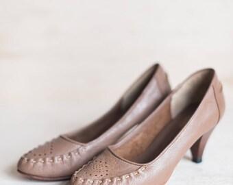 Vintage Beige Heels Women's Size 5.5