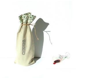 Wine bottle bag, fabric wine sleeve, Cheers, holly, Christmas bag, wine bag holder, BYOB, wine carry bag, wine tote bag, wine gift bag