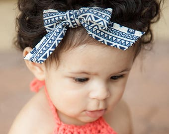 Navy Pattern Bow/ Piggie Bows / Mini  bows/ Bows / Baby Headbands / Toddler bows